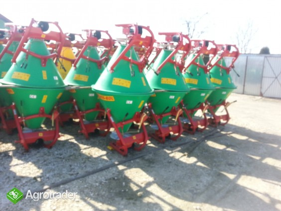 Rozsiewacz nawozów lejek 300 litrów Gras- Rol - zdjęcie 1