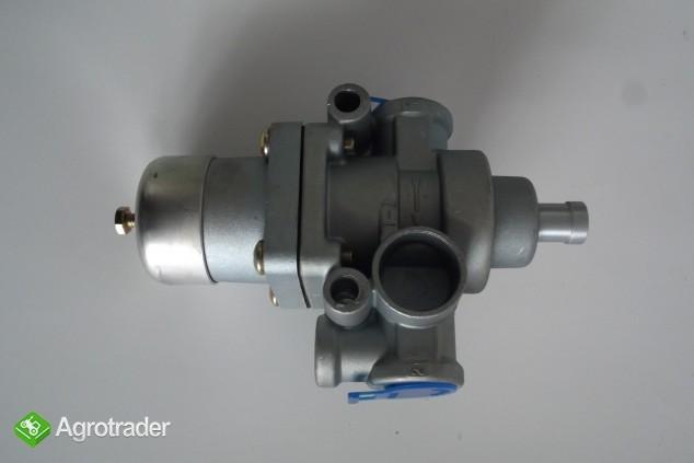 Regulator ciśnienia powietrza 6,9 bar URSUS C 385/ZETOR/AVIA    - zdjęcie 2