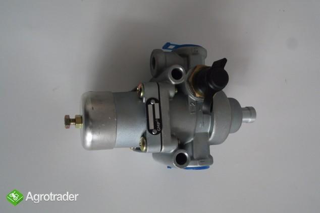 Regulator ciśnienia powietrza 6,9 bar URSUS C 385/ZETOR/AVIA    - zdjęcie 4