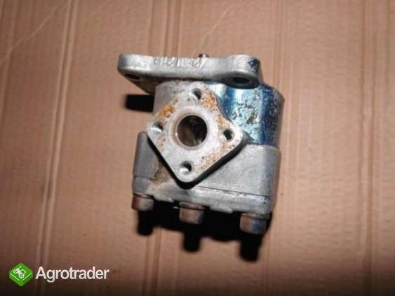 Pompa hydrauliki Yanmar F18 F20 pompa wody kolektor paliwa  - zdjęcie 2