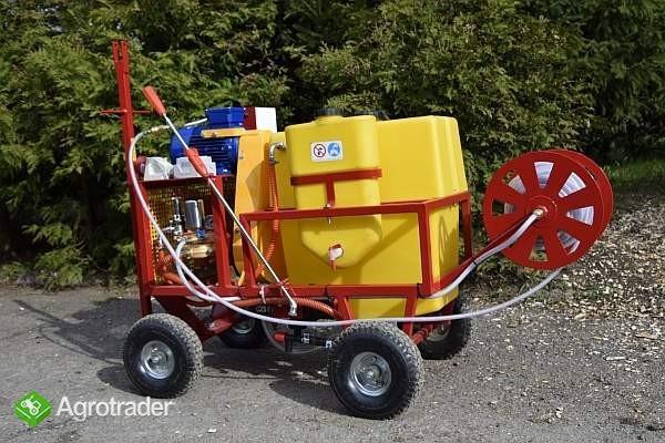 OPRYSKIWACZ ELEKTRYCZNY WÓZKOWY 80L, SILNIK 3 kW, 14-22l/min - zdjęcie 4