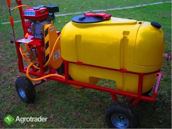 Opryskiwacz spalinowy wózkowy zbiornik 200L, silnik 6,5 HP, 14-22l/min - zdjęcie 2