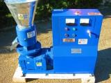 PELLECIARKA P295: wydajność do 500 kg/h, silnik 15 kW