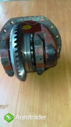 Mechanizm Różnicowy Massey Ferguson 3070,3075,3080,3090,3095,3125 - zdjęcie 1